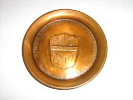 NAMUR Assiette Aux Armoiries De Saint-Servais Avec Inscription Des Noms Des Bourgmestre Et échevins En 1962 - Kupfer