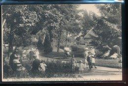 70 --- Luxeuil - Les - Bains  -- Etablissement Des Thermes -- Le Parc A L'heure De La Musique - Luxeuil Les Bains