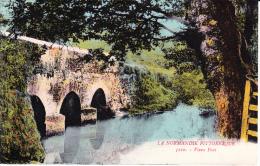NORMANDIE , Vieux Pont, Barrière Normande, Rivière - Agriculture