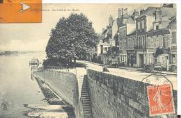 GIEN - La Loire Et Les Quais , Voir Scan - Gien