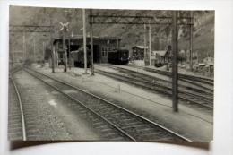 Photo Prise Du Train 661  Ligne Brig-Bern à Situer Mars 1959 - Gares - Avec Trains