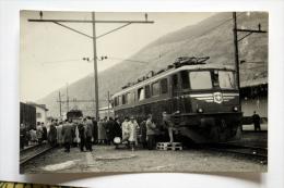 Photo Loco 11403 Ae 6/6 Série 11400 Des SBB-CFF  En Gare De BRIG  Mars 1959  Cliché Schnabel - Gares - Avec Trains