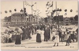 ARCACHON - Sur La Jetée-Promenade [3396/A33] - Arcachon