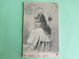 Petite Fille Au Beau Chapeau - Kinder