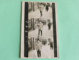 Rare CPA PHOTO D'un Homme Marchant , 3 Prises Successives - Photographs