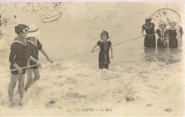 LE HAVRE - Le Bain - Plan Rapproché- Belle Animation - Le Havre
