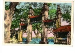 ASIE----NORD-VIET-NAN-----environs D'HANOI-porte D'entrée De La Pagode Des Dames--voir 2 Scans - Viêt-Nam