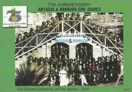 ant0612ss Antigua Barbuda 2006 75th Anniversary of Girl Guiding s/s Fruit