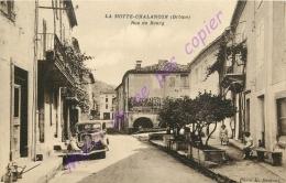 26. LA MOTTE CHALANCON . Rue Du Bourg . CPA Animée . - Autres Communes