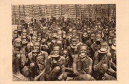 Afrique Equatoriale, Oubangui Chari, Groupe De Femmes A Plateaux, N° 45 - Cartes Postales