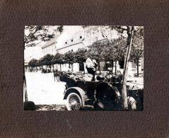 Sehr Seltenes Foto, Kaiser F.J.? Im Oldtimer Stehend Bei Fahrt Durch Die Strassen, Großes Orig.Foto Auf Karton Um 1910 - Krieg, Militär
