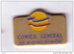 G32 Pin´s Ville Village CONSEIL GENERAL BOUCHES DU RHONE ACHAT IMMEDIAT - Ciudades