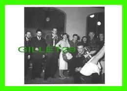 CÉLÉBRITÉS - BORIS VIAN, MADELEINE RENAUD, JEAN-LOUIS BARRAULT - GALA DES ARTISTES, 1949 - PHOTO, LIPNITZKI-VIOLLET - - Artistes