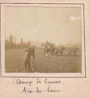 D- 2 Photos Stereoscopiques 40x45mm Vers 1900. Aix Les Bains Savoie France. Champ De Courses. Photographe Attelage - Photos Stéréoscopiques