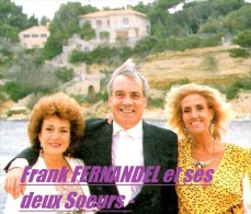 PHOTO De Frank FERNANDEL Et Ses Deux Soeurs (lors De L'inauguration Statue De Leur Père Fernandel)  1974 - Reproductions