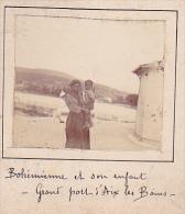 H- 2 Photos Stereoscopiques 40x45mm Vers 1900. Aix Les Bains Savoie France. Bohemienne Et Enfant, Grand Port - Photos Stéréoscopiques
