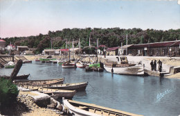 Ai - Cpsm Petit Format ILE D'OLERON - ST TROJAN - Le Port - Ile D'Oléron