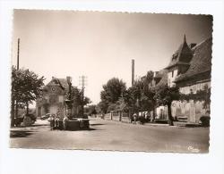 § TOP - RARE § 15 - CALVINET La Grand' Place Grande Fontaine Animée écrite Timbrée - Autres Communes