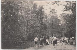 AK - GOUDA -Menschen Im  Nieuwe Park 1920 - Gouda