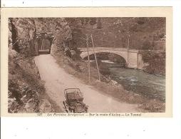 Aulus Sur La Route D Aulus Le Tunnel Belle Voiture - Unclassified