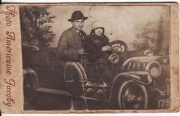 PHOTO CARTONNEE 105 X 65mm AUTOMOBILE-AUTO-VOITURE Montage Photo Américaine Studio JACOBY (Plis) - Cars