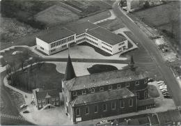 Zonhoven :  Kerk -  Oud - En Nieuw Gemeentehuis  ( Groot Formaat ) - Zonhoven