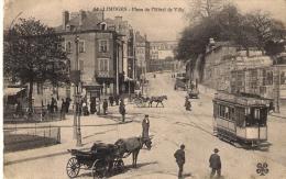 CPA.   .. LIMOGES PLACE DE L'HOTEL DE VILLE ..TRES ANIME ...TRAM ..ETC ..  1914...  BE. - Limoges