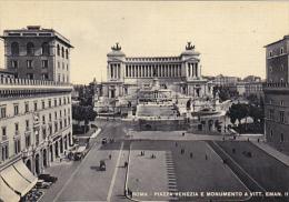 Italy Roma Rome Piazza Venezia e Monumento a Vottorio Emanuelle