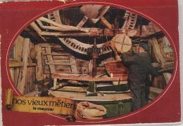 Moulin : Interieur Du Moulin - Le Meunier ,mise Au Broyage Du Blé - Windmühlen