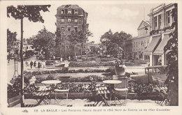 CPA: LA BAULE - Les Parterres Fleuris - La Baule-Escoublac