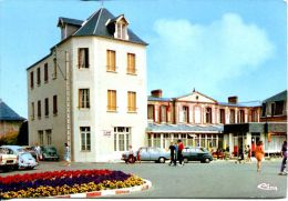 N°35324 GF -cpsm Coutainville -le Home Familiale- Voitures : 404, Fiat, WV - Passenger Cars