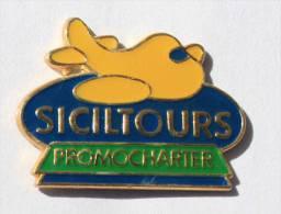 Pin's  SICILTOURS  PROMOCHARTER - Avion Jaune - Compagnie Aérienne -  Formula - C1279 - Transports