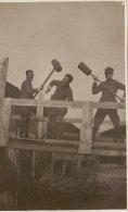 MILITARI  ( Artiglieri )  /  Soldati In Posa - Formato Cartolina _ Regio Esercito Italiano - Guerra, Militari