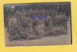 CPA Photo - LAON ? - Groupe De Militaires Du 45e Régiment D' Infanterie - Militaria