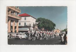 Sénégal Dakar La Garde Rouge Belle Peugeot 403 Carte Dentelée écrite En 1962 - Senegal