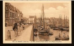 CPSM 44 LE CROISIC Le Port Entre La Place Boston Et La Place D'Aiguillon Bateau : A1872 - Le Croisic