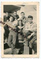 - Photo DE 5 Militaires, Guerre D´Algérie, En 1959, Dont Serge Volpe, De La Région PACA, Format CP, Scans. - Guerre, Militaire