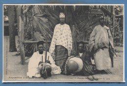 49 - ANGERS -- Exposition 1906 -- Village Noir - Famille Mauding  - Joueur De Cora - Angers
