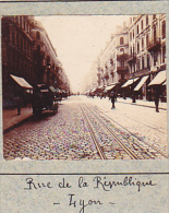 AL- 2 Photos Stereoscopiques 40x45mm Vers 1900. Lyon 69 Rhone France -pont Du Lycee Rue Republique - Photos Stéréoscopiques