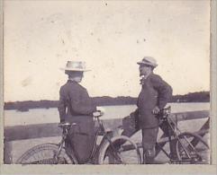 AN- 2 Photos Stereoscopiques 40x45mm Vers 1900. Sans Doute Landes France . Velo Cycliste - Photos Stéréoscopiques