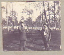 AO- 2 Photos Stereoscopiques 40x45mm Vers 1900. Sans Doute Landes France .vache Promeneur - Photos Stéréoscopiques