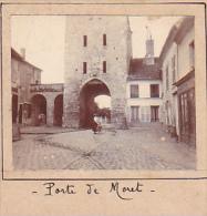 BD- 2 Photos Stereoscopiques 40x45mm Vers 1900. Moret Sur Loing France - Porte Bourgogne - Photos Stéréoscopiques