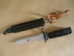 Baïonnette AKM Noire Kalashnikov RDA - Armes Blanches