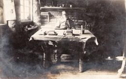 Photocarte Allemande- Militaire Allemand A Son Bureau   (guerre 14- PAYS DE L´EST) 2 Scans - Guerre 1914-18