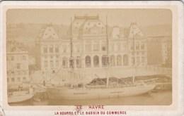 ANCIENNE PHOTO ALBUMINE ?? SUR CARTON LE HAVRE LA BOURSE ET LE BASSIN DU COMMERCE BATEAU TOP  A VOIR 19EME ?? - Old (before 1900)