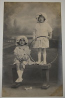 Photo Ancienne, Fillettes Et Cerceau - Photographe E. Ponce, Las Palmas - 2 Scans - Portretten