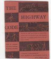 2677.   The English Highway Code - 13,5x10,5 - Pp 32 - Codice Della Strada Inglese - Libretto - Booklet - Educazione/ Insegnamento