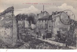 55 VERDUN Sur MEUSE -   La Rue SAint-Pierre  PAS COURANT - Verdun