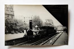 Photo Petit Train Départ Gare D´Auteuil Collection Schnabel - Gares - Avec Trains