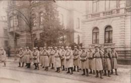 Carte Photo Groupe De Soldats à Coblence - Régiments